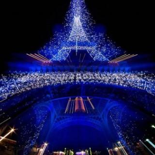 eiffel torony karácsonyi kivilágítása